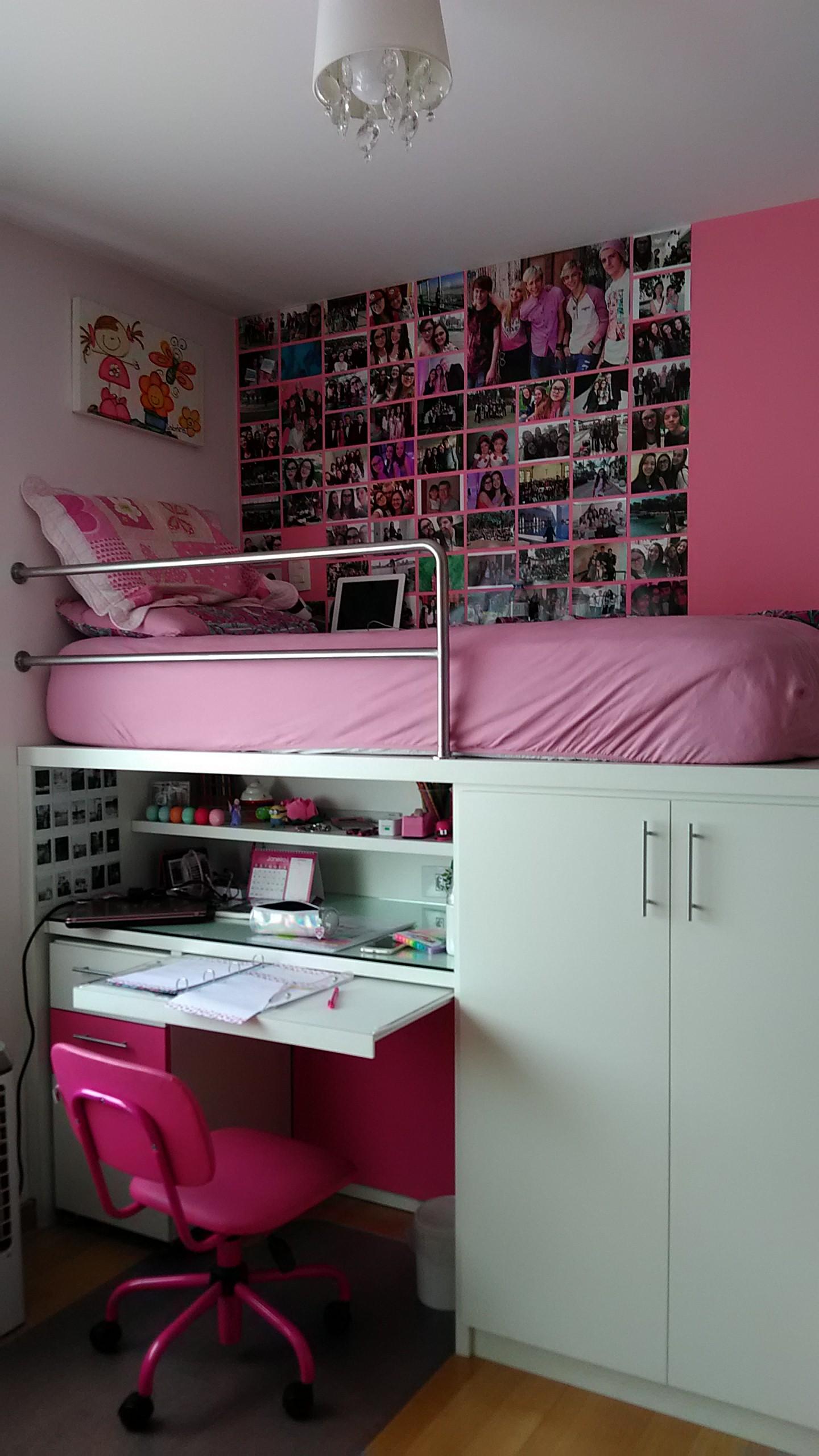 Escrivaninha com cama superior